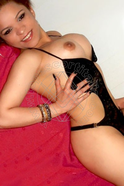 Foto 6 di Violetta Lips escort Ivrea