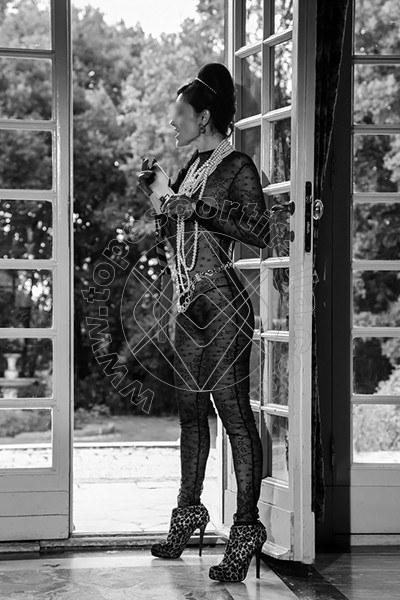 Foto 820 di Helene Castelli escort Perugia