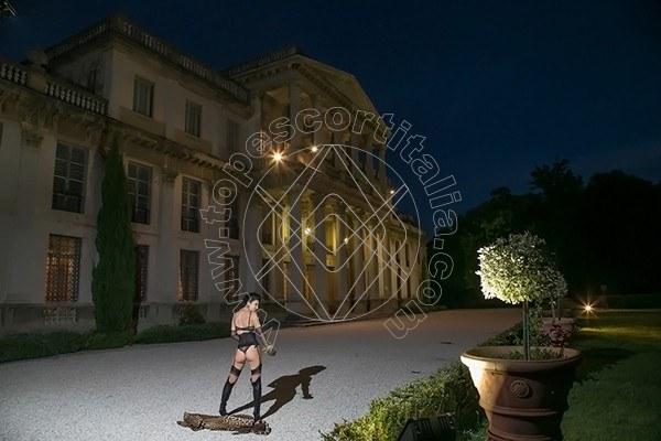 Foto 592 di Helene Castelli escort Perugia