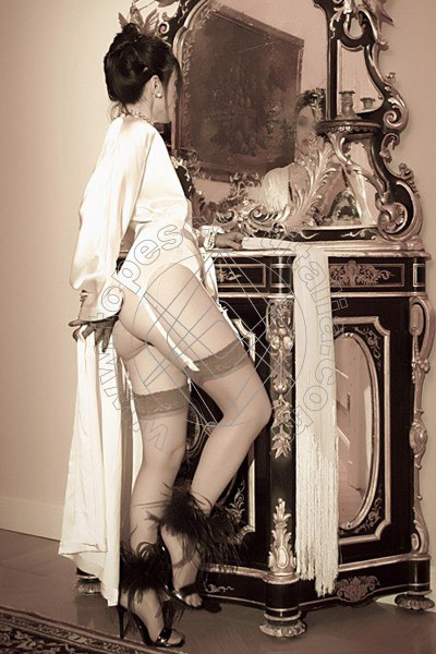 Foto 2075 di Helene Castelli escort Perugia