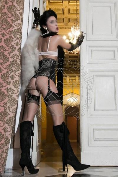 Foto 595 di Helene Castelli escort Perugia