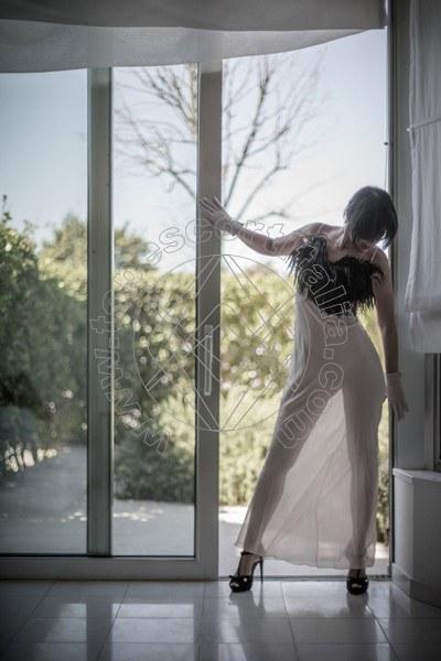 Foto 118 di Helene Castelli escort Perugia