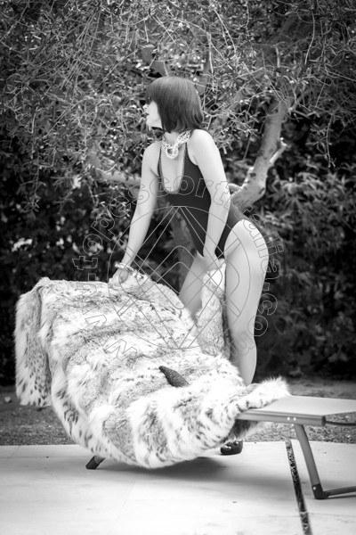 Foto 185 di Helene Castelli escort Perugia