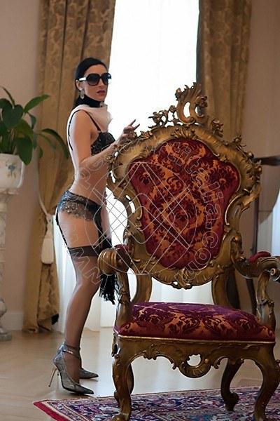 Foto 2221 di Helene Castelli escort Perugia