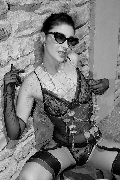 Foto 1610 di Helene Castelli escort Perugia