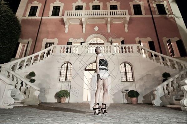 Foto 1446 di Helene Castelli escort Perugia
