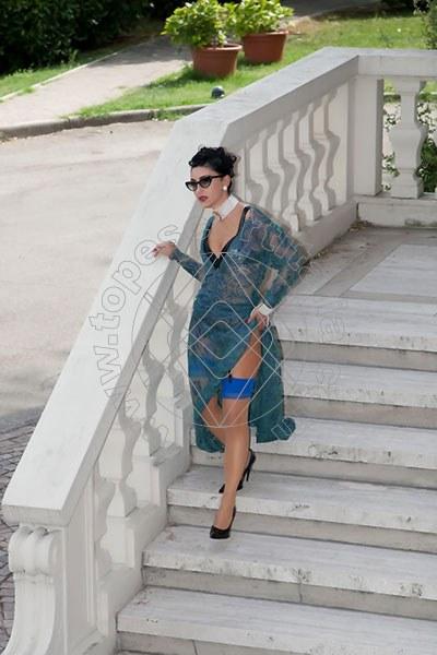 Foto 1179 di Helene Castelli escort Perugia
