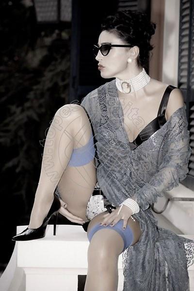 Foto 1196 di Helene Castelli escort Perugia
