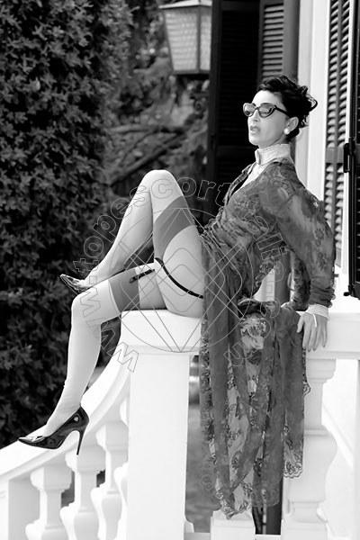Foto 1199 di Helene Castelli escort Perugia