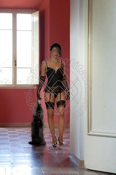 Foto 1075 di Helene Castelli escort Perugia