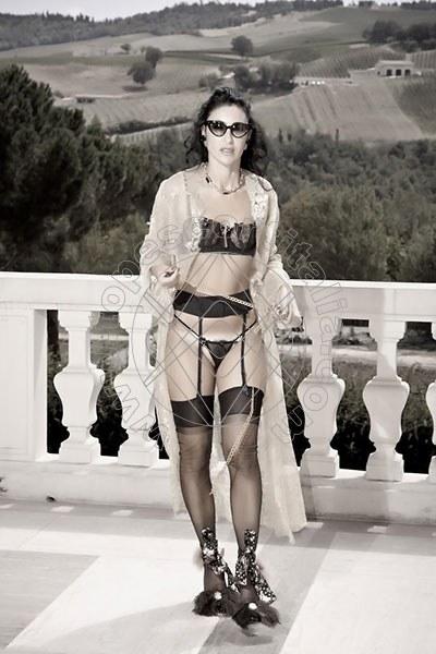 Foto 1043 di Helene Castelli escort Perugia