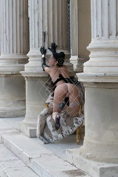 Foto 546 di Helene Castelli escort Perugia