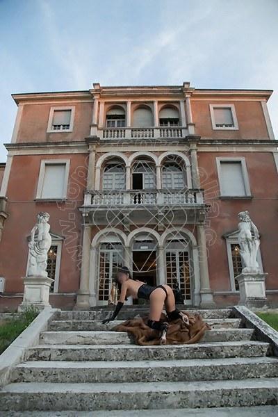 Foto 567 di Helene Castelli escort Perugia