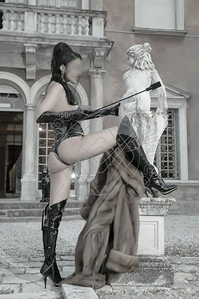 Foto 572 di Helene Castelli escort Perugia