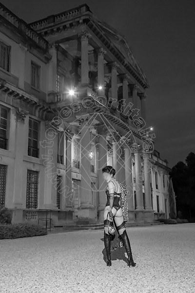 Foto 581 di Helene Castelli escort Perugia